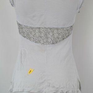 lululemon athletica Tops - Lululemon Grey Short Sleeve Athletic Top Size 4